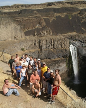 Earlier this month, glacial environment students  from UBC Okanagan studied Palouse Falls in  Washington State. Spectacular as they are today,  the falls are only half as high as the torrent that  flowed through this area during an Ice Age megaflood.