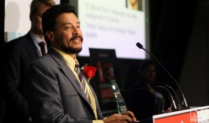 Hugo De Burgos accepting his award as one of Canada's 10 Most Influential Hispanic Canadians