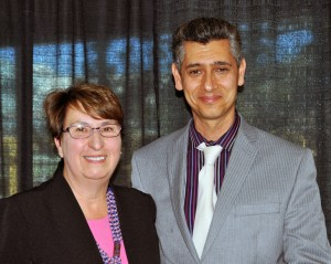 UBC Okanagan Provost and Vice-Principal, Cynthia Mathieson presents Engineering instructor Ray Taheri with the junior faculty Award for Teaching Excellence and Innovation.