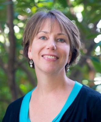 Elizabeth Elle speaks Thursday at the Okanagan Regional Library, Kelowna branch Thursday.