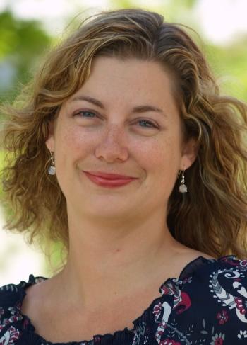 Dr. Christine Schreyer