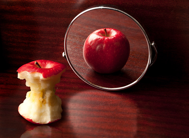 Photo of two apples for media release